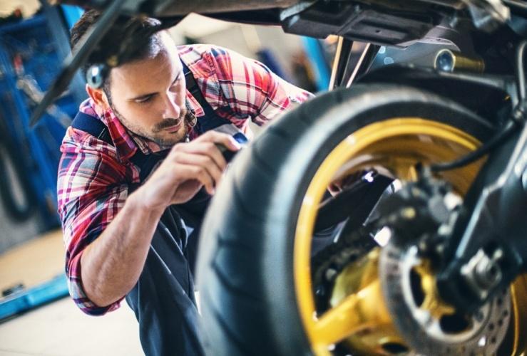 cambio neumáticos moto